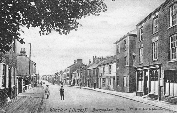 HIgh Street north with Post Office and Chandos Arms