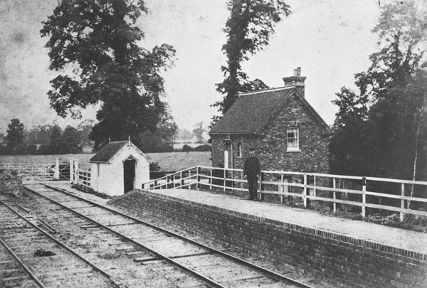 Winslow Road Station and level crossing