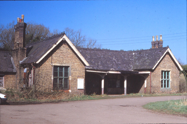 Winslow station (standing derelict)